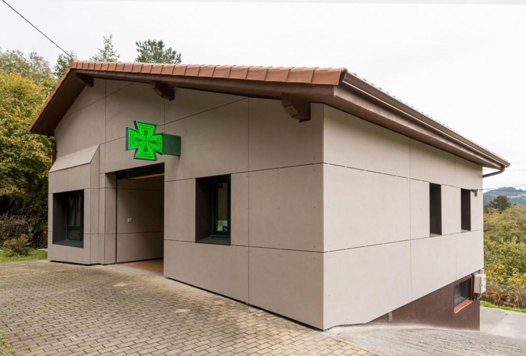 Rehabilitación de fachada consultorio médico Arrieta
